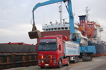 Wheat unloading at N. Moudania port